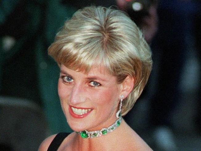 "Brit Artist Makes Lady Di Hair ""Jel"""