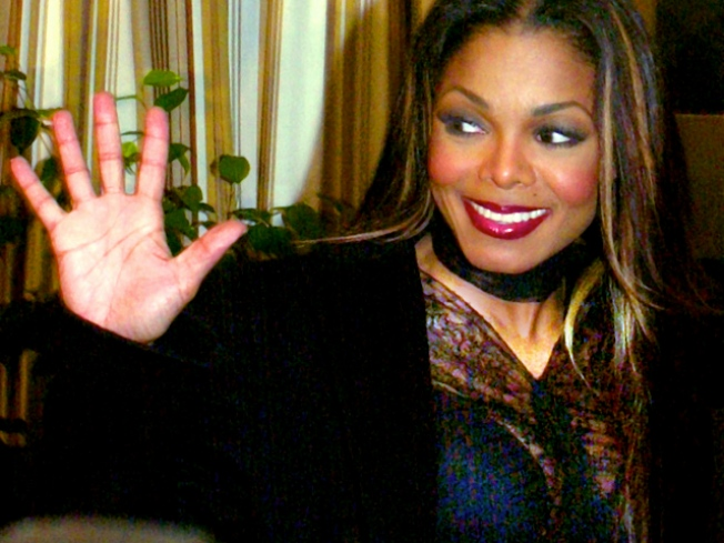 "Janet Jackson to Visit ""Tonight Show With Jay Leno"""
