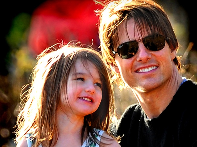 "Tom & Katie Treat Suri to ""Mary Poppins"" in LA"