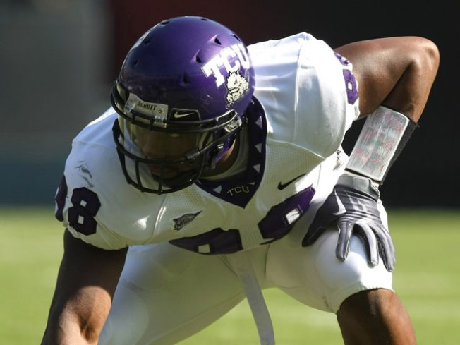 Ex-TCU Star Hughes Signs With Colts