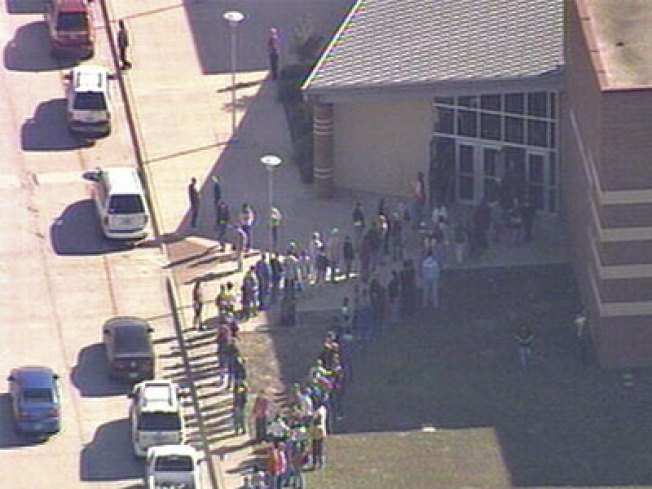 Waxahachie HS Evacuated After Bomb Threat