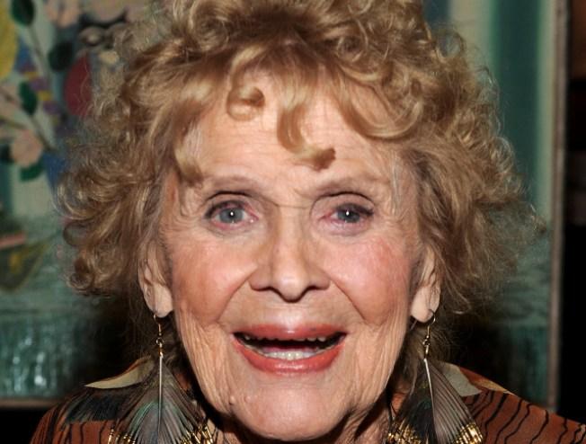 """""""Titanic"""" Star Gloria Stuart Dead at 100"""