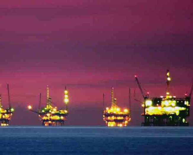 What the Pros Say: Oil Plunging to $10