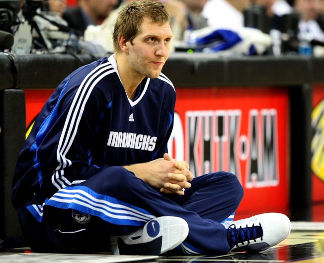 Dirk Takes Questions on Ex-Fiancee, Upcoming Season