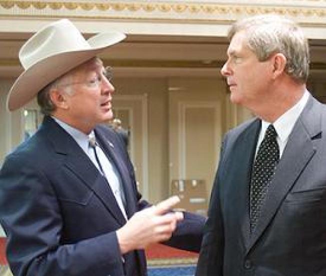 Obama's Choice of Salazar for Interior, Vilsack for Agriculture Praised
