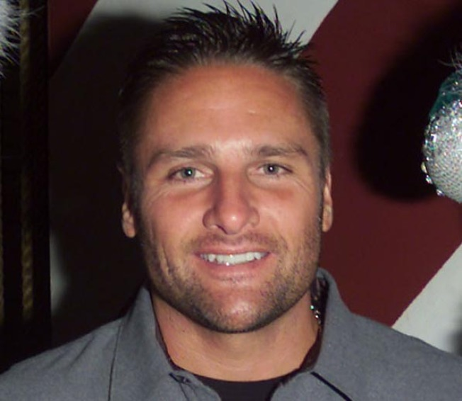 Ex-Yankee Chuck Knoblauch Charged in Domestic Assault