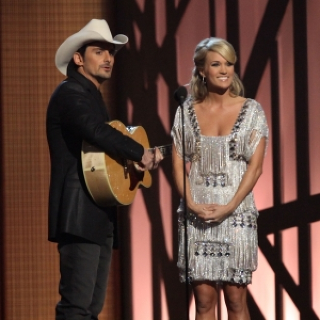 Brad Paisley & Carrie Underwood Take A Swipe At Kanye West At 2009 CMAs