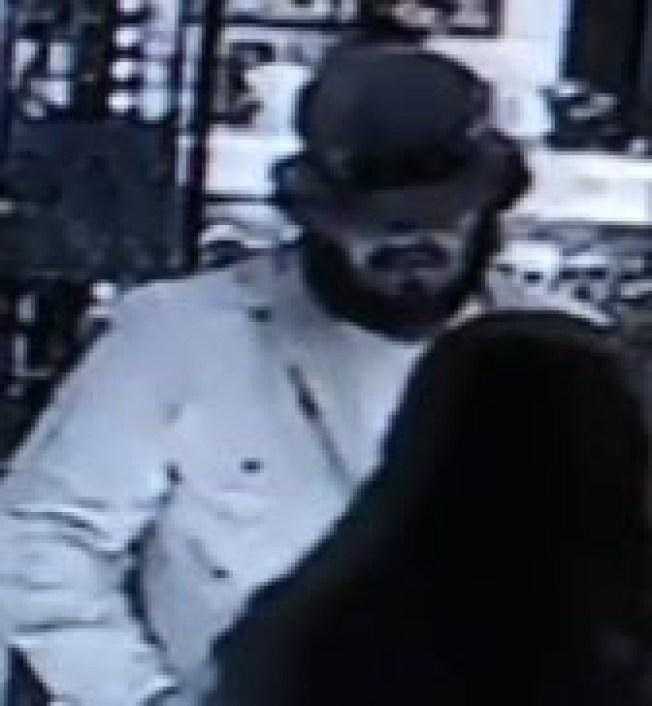 Fort Worth Police Looking for 'Bracelet Bandit'