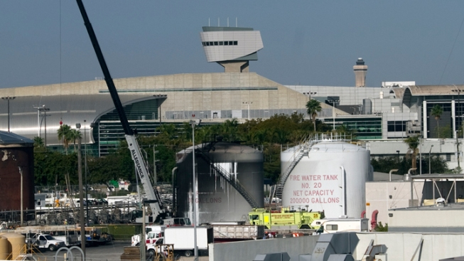 American Cancels 190 Miami Flights After Fuel Fire