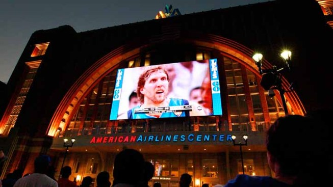 NBA Lockout Brings Business Blues for Mavs Neighbors