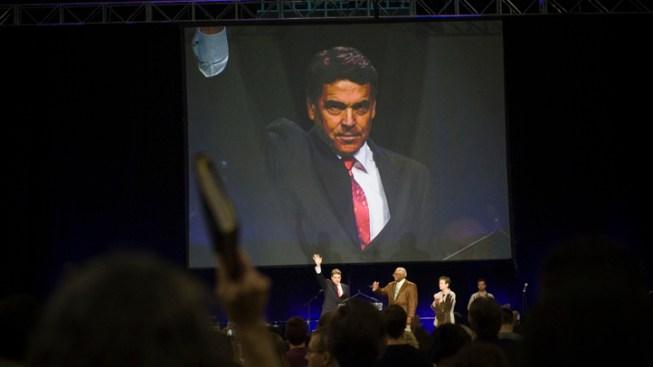 Perry, Gingrich Woo Evangelicals