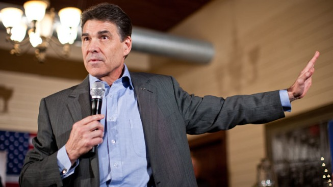 Perry to Campaign with Dewhurst on Eve of Runoff