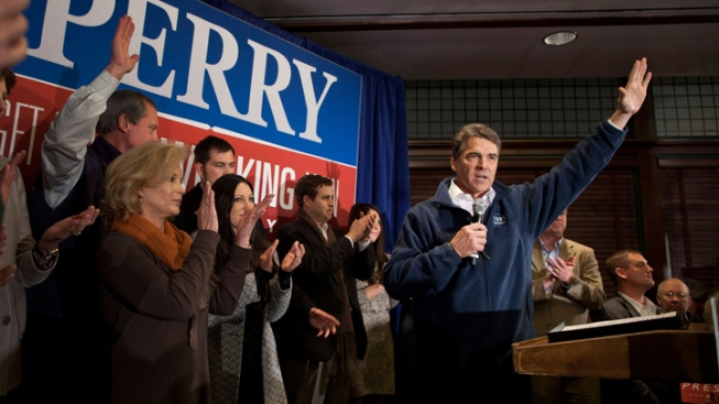 Gov. Perry Courting Iowa Voters For Possible 2016 Run