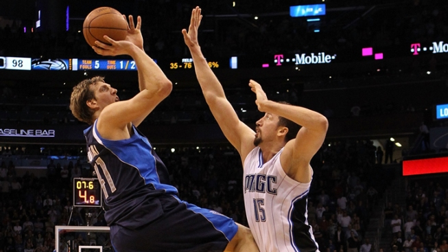 Nowitzki Jumper Gets Mavs Past Magic