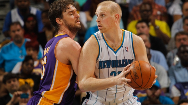 Kaman Tweets That He's Headed to Mavs