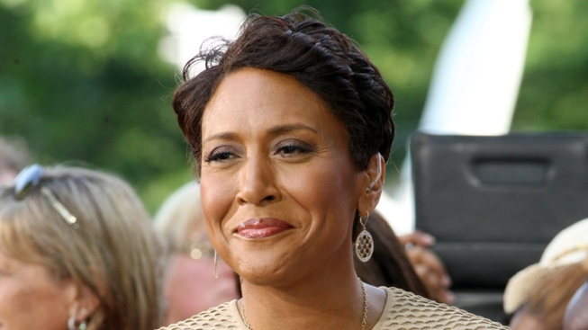 "Robin Roberts Briefly Hospitalized for Illness, Hopes to Return to ""Good Morning America"" Next Week"