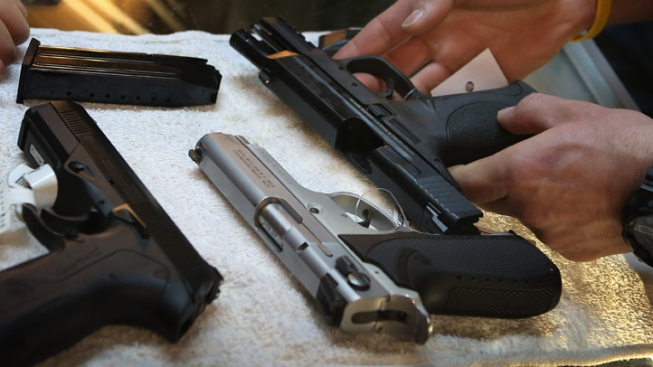Lawmaker Files Bill to Openly Carry Handguns