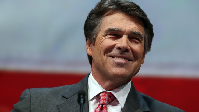 Perry Avoids 2016 Talk During Iowa Visit