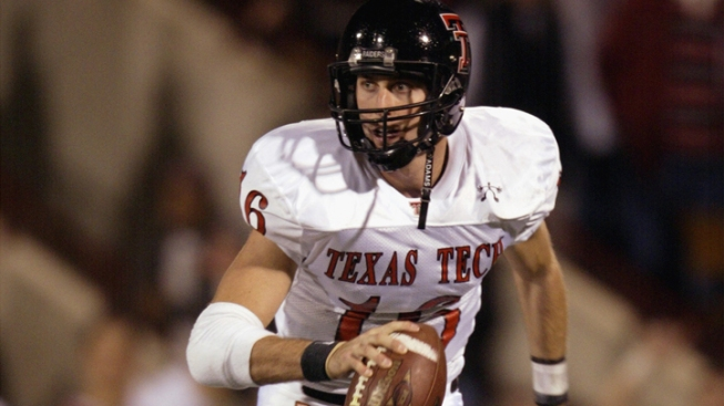 Texas Tech Hires Kingsbury as Coach