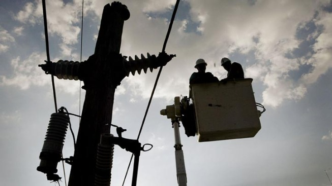 Thousands in Dallas-Area Lose Electricity