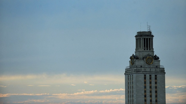 UT Considers Banning Tobacco on Entire Campus
