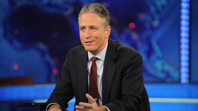 Celebs Say #JonVoyage as Jon Stewart Bids Farewell to 'The Daily Show'