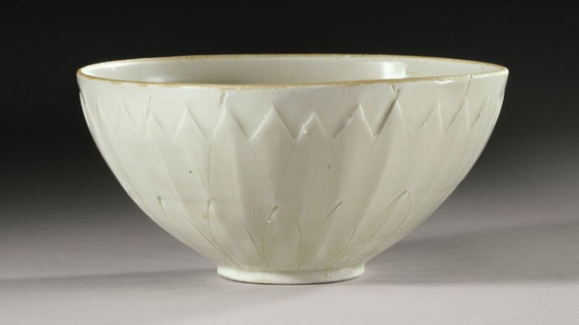 Rare Chinese Bowl Picked Up for $3, Sells for $2.2 Million at Auction