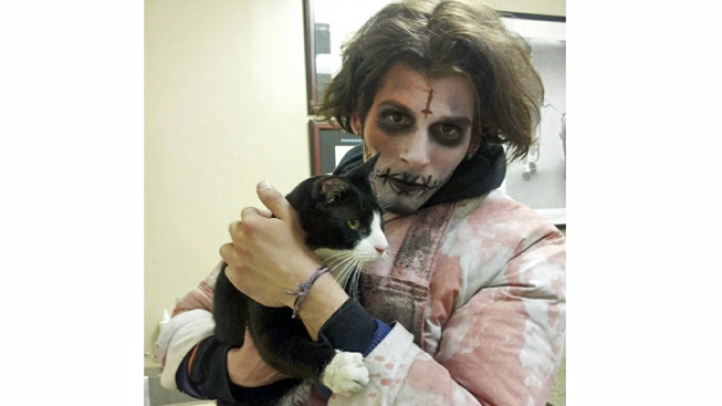 "NYC ""Zombie"" Finds Long Island Cat in Times Square"