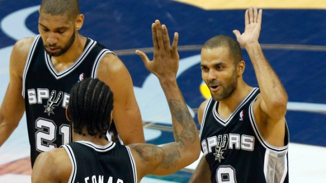 Mavs Fans Hoping Spurs-Heat NBA Finals Somehow Ends in a Tie