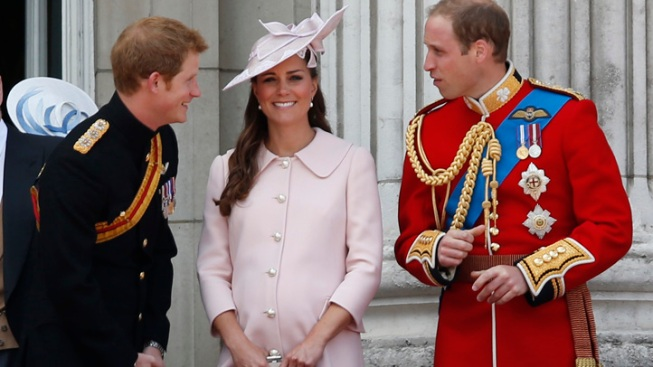 Pregnant Kate Middleton Stuns at Queen's Birthday Parade