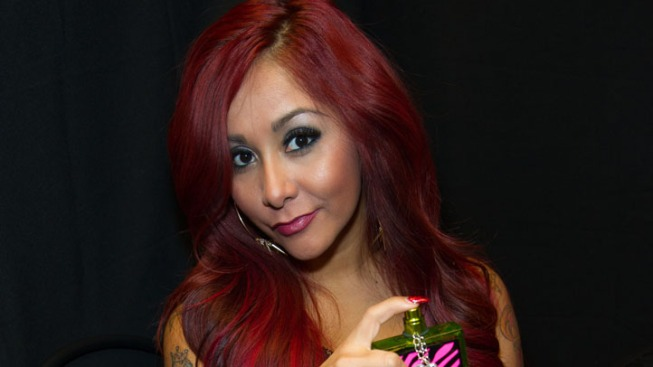 """Pregnant Kim Kardashian: Snooki Offers Advice on How to Look """"Glam"""" While Giving Birth"""