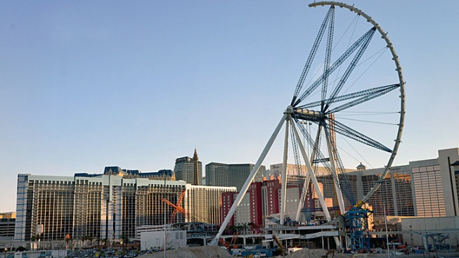 World's Largest Ferris Wheel to Rise Above Las Vegas Skyline Tuesday