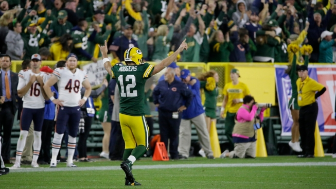 Rodgers Returns From Injury, Leads Comeback Over Bears 24-23