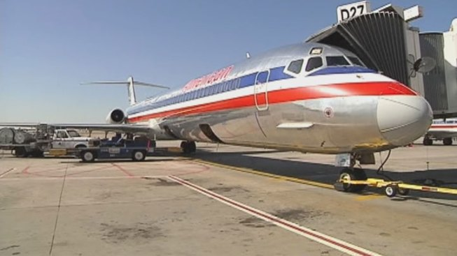 American Airlines Plane Makes Emergency Landing
