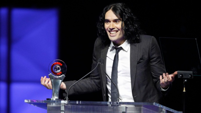 Russell Brand Turns Himself In After Phone-Throwing Outburst
