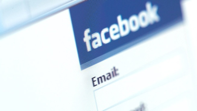 Sharing Too Many Photos on Facebook Can Alienate Your Friends: Study