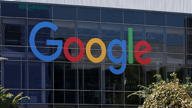 Lawsuit Seeks to Ban Google From US Government Contracts