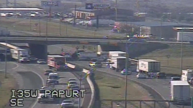 I-35W Shut Down Thursday Morning After Accident