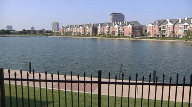 Irving Suspends Water Activities on Lake Carolyn