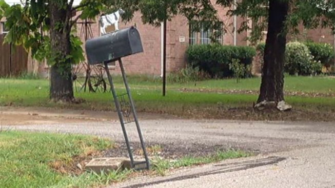 Little Elm Helps Residents Fix Slanting Mailboxes