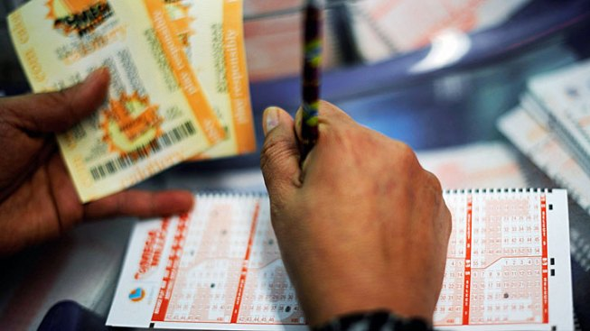 $790 Million in Lottery Money Up for Grabs