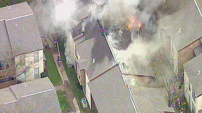 Apartment Complex Burns in Dallas