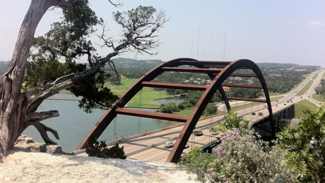 Denison Man Falls to Death at Austin Bridge