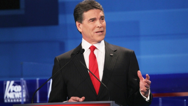 Perry Hopes to Be Tim Tebow of Iowa Caucuses