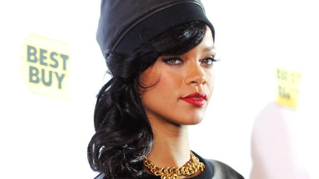 Rihanna's Tour Bus Stopped After Border Patrol Finds Marijuana