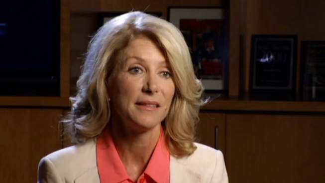 Wendy Davis Blasts Republican Rival Over Equal Pay