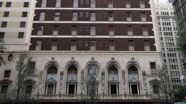 Dallas' Adolphus Hotel Sold to Ohio Company