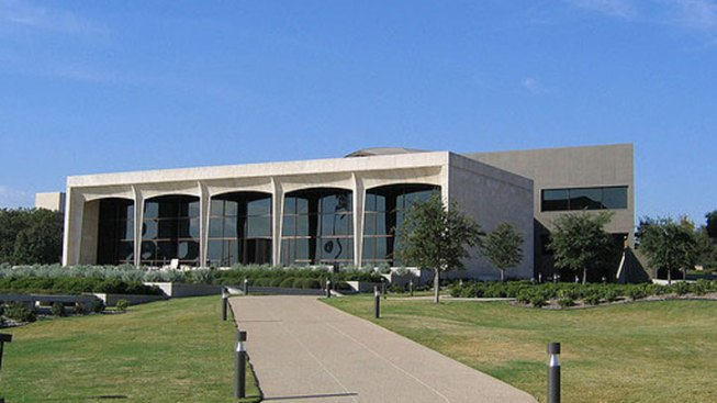 Picturing Amon Carter Museum