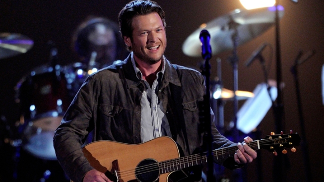 Blake Shelton Takes A Curtain Call