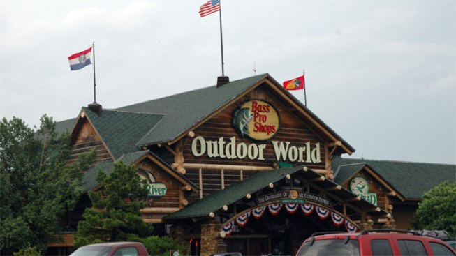 Bass Pro Stores Accused of Racial Discrimination